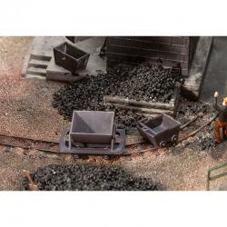 H0e 2 trolejové vozíky a 2 důlní vozy