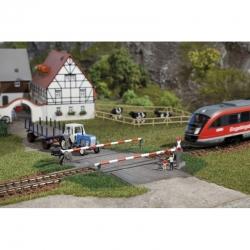 H0 chráněný železniční přejezd