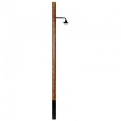 0 oblouková lampa na dřevěném sloupu