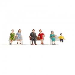 N sedící postavy 6 figurek