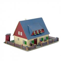 H0 - domek v Krušných horách s latrínou